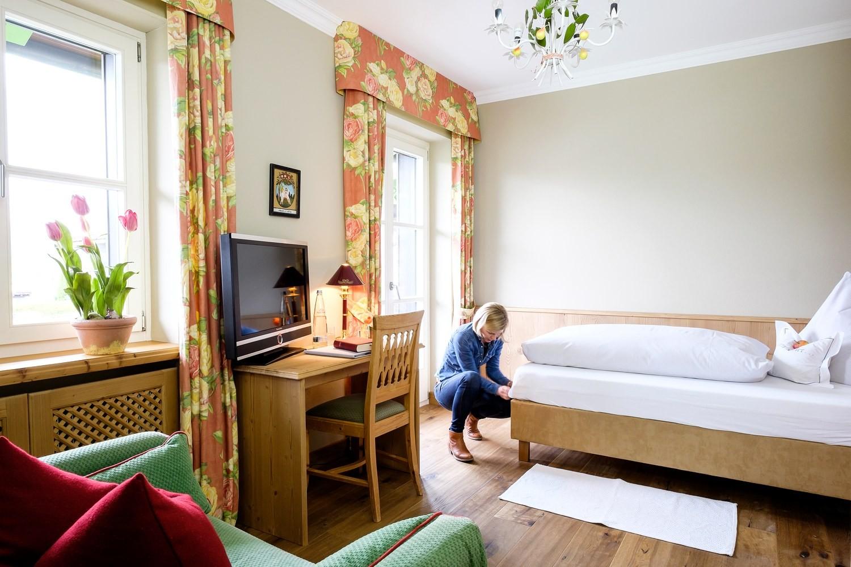 landhaus am stein kommunikations design birgit hecker. Black Bedroom Furniture Sets. Home Design Ideas